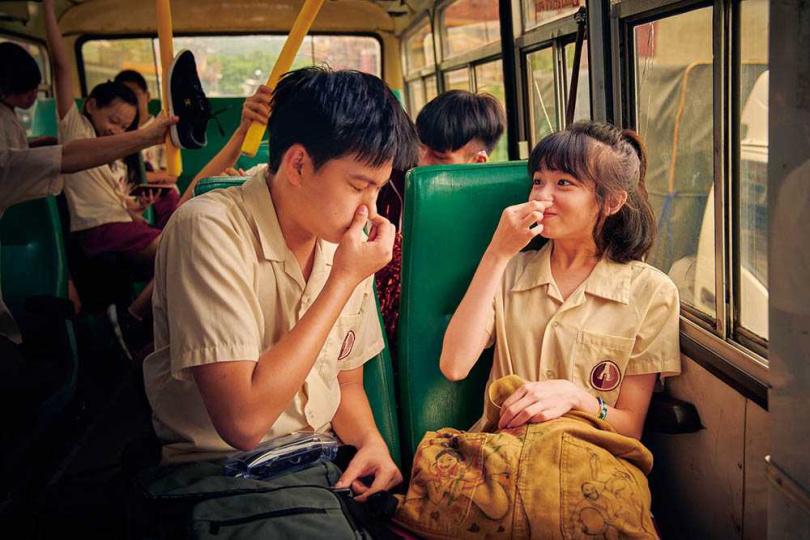 片中劉子銓花了許多力氣保護陳姸霏,戲裡戲外兩人都相知相惜。(圖/CATCHPLAY提供)