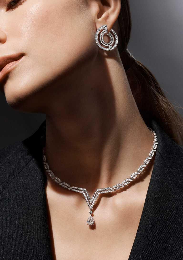 LOUIS VUITTON「Pure V」系列高級珠寶,鑽石耳環╱2,250,000元;鑽石項鍊╱9,200,000元。(圖╱LOUIS VUITTON提供)