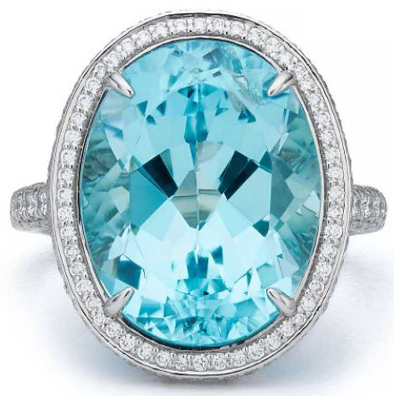 TIFFANY & CO.高級珠寶系列,鉑金鑲嵌主石逾9.64克拉銅鋰碧璽與鑽石戒指。(圖╱TIFFANY & CO.提供)