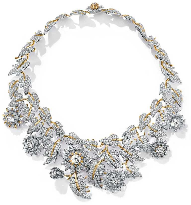 TIFFANY & CO.「Schlumberger」高級珠寶系列,Thistle薊花設計鑽石項鍊,鉑金與18K金,鑲嵌總重逾57克拉鑽石。(圖╱TIFFANY & CO.提供)