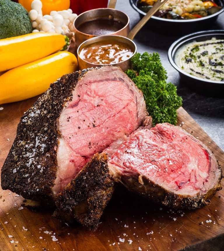 住宿專案可以利用3,000元的餐飲消費額度,點用「晶華美食到你家Take Regent Home」平台上的所有美食。