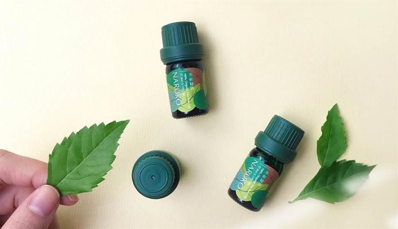NARUKO茶樹精油 5ml/459元  一滴就能發揮「淨化‧平衡‧修護‧舒緩‧鎮定‧制菌‧抑味」7大效用,居家旅行外出都不可或缺。