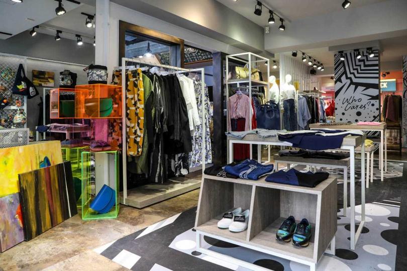 宋城希喜愛服飾店「Who Cares」有自己的設計款式,不容易撞衫。(圖/焦正德攝)