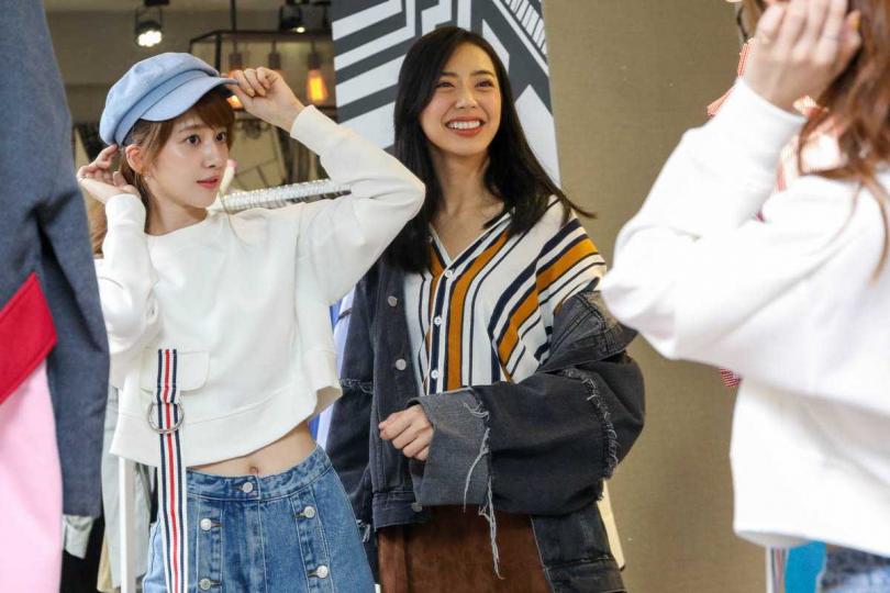 兩人風格迥異,謝翔雅私下愛穿裙裝、而宋城希偏好T恤搭配牛仔褲。(圖/焦正德攝)