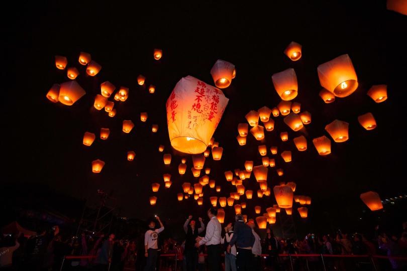 平溪天燈節被國家地理雜誌選為-「全球10大最佳冬季旅遊」城市慶典。(圖/新北市觀光旅遊局提供)