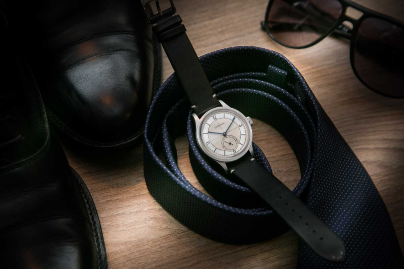 Longines「Heritage Classic復刻經典」黑色皮革錶帶腕錶╱69,200元。(圖╱Longines提供)