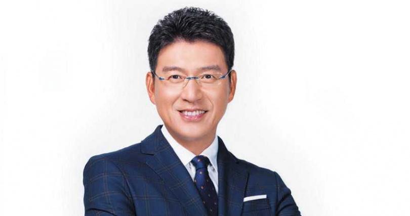 謝震武第七次獲得讀者票選「最受信賴電視新聞/時事節目主持人」。(圖/讀者文摘提供)