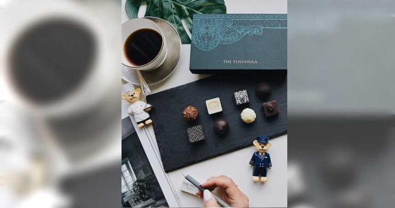 經典系列巧克力由瑞士工匠純手工製作,結合水果與果仁,滋味濃醇繽紛。(圖/半島精品店提供)