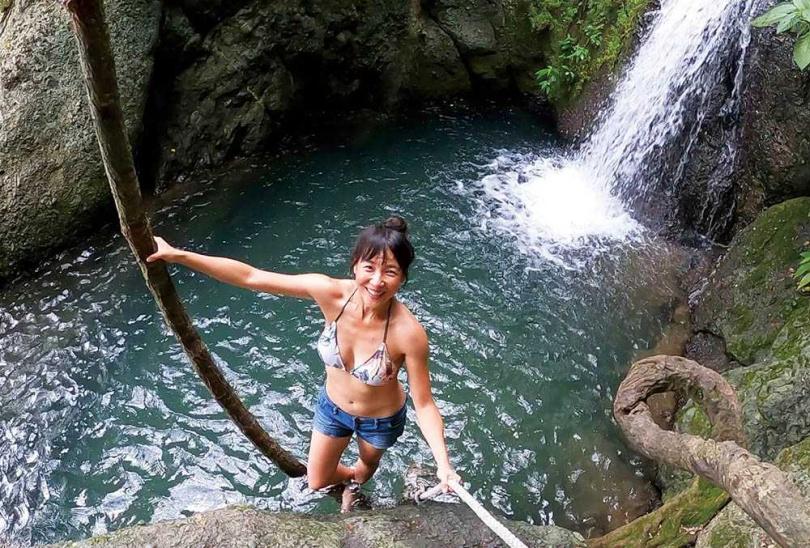 墾丁的七孔瀑布,是張本渝此行最驚喜的美景。(圖/傑星傳播提供)