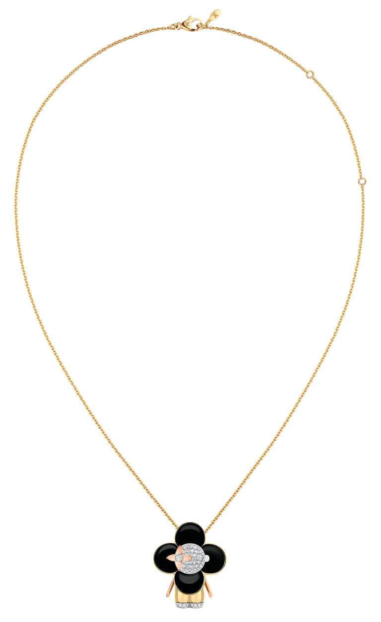 LOUIS VUITTON「Vivienne」系列珠寶,黑色琺瑯鑲鑽吊墜╱363,000元。(圖╱LOUIS VUITTON提供)
