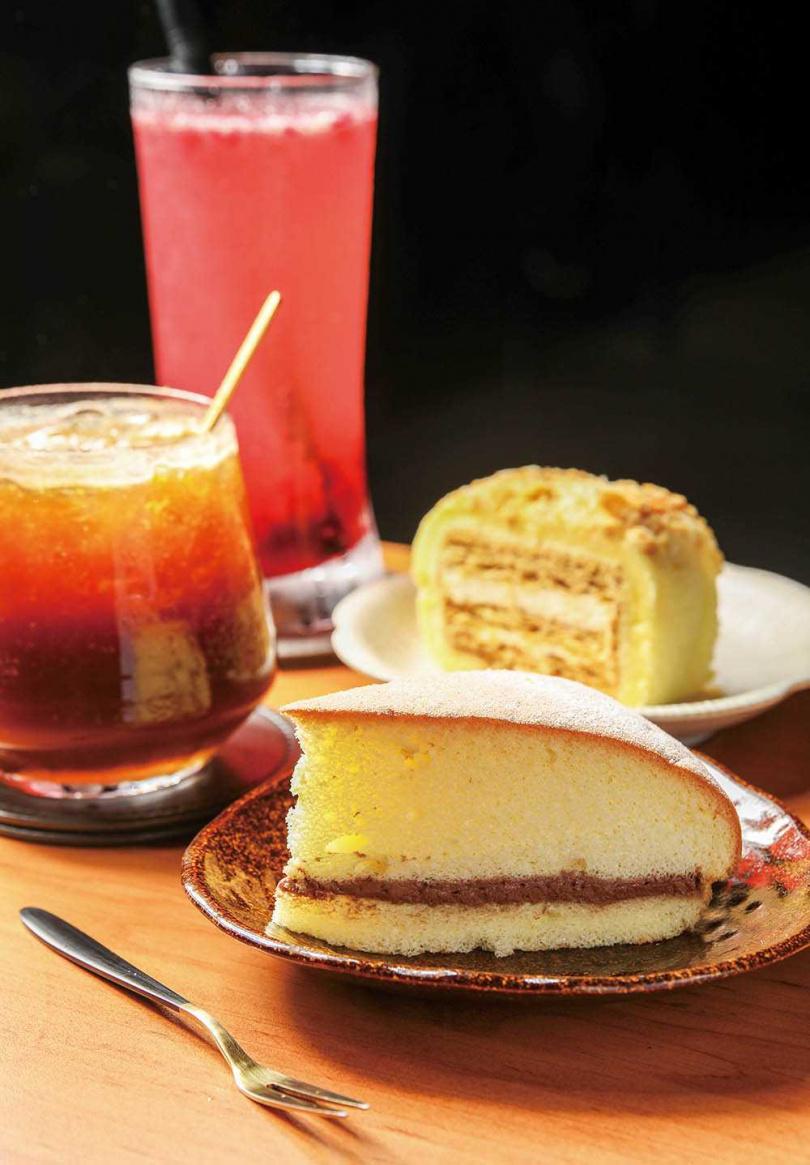 來點氣泡調飲及自製甜點,享受悠閒午後時光。(圖/焦正德攝)