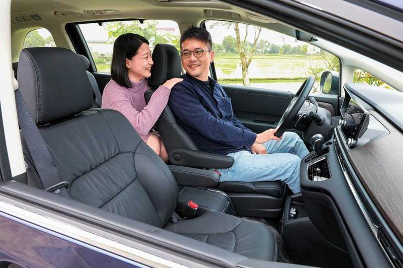 有別於競廠以商務或老闆座車為導向的設計,ALL NEW ODYSSEY的目標客群鎖定在4到6人的家庭。(圖/馬景平攝)