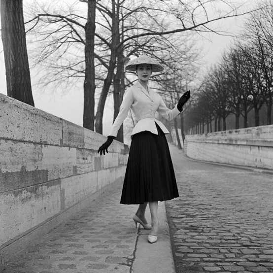 Bar suit, Haute Couture Spring-Summer 1947 collection by Christian Dior. © Associations Willy Maywald _ ADAGP, 2020