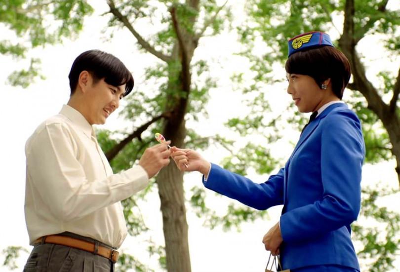 劇中跟大牙(右)戀愛,黃靖倫卻很怕跟她對戲。(圖/三立提供)