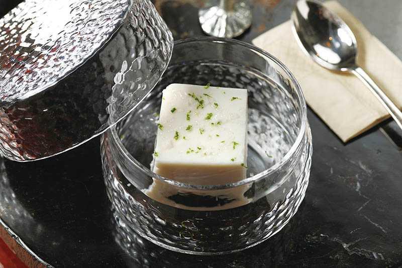 手工花生豆腐事先將花生烤過再磨製,滋味更豐富。(130元)(圖/于魯光)