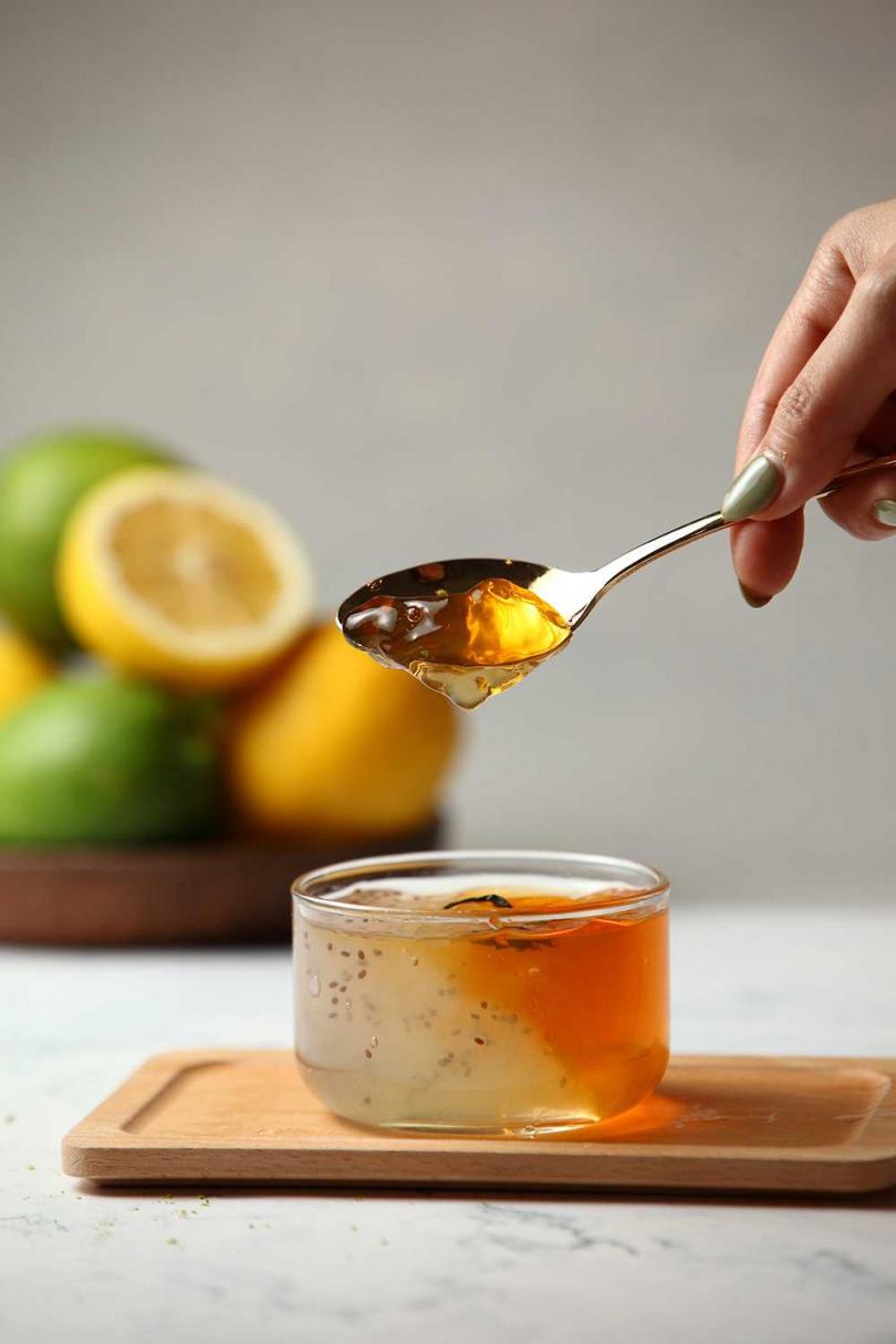 檸夏雙凍甘蔗綠加入了檸檬凍與茶凍,不但增添口感,而且低負擔、有飽足感。(圖/珍蜜堂提供)