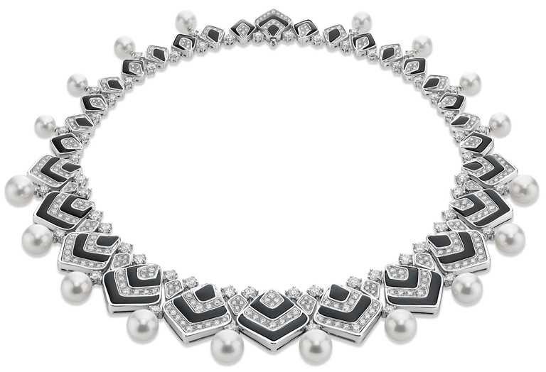 BVLGARI「BAROCKO系列」頂級珠寶,Hypnotic Pearls頂級鑽石、縞瑪瑙與珍珠項鍊。(圖╱BVLGARI提供)