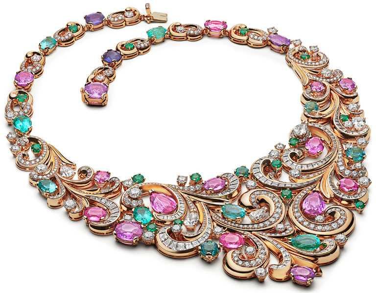 BVLGARI「BAROCKO系列」頂級珠寶,Lady Arabesque頂級彩寶項鍊。(圖╱BVLGARI提供)