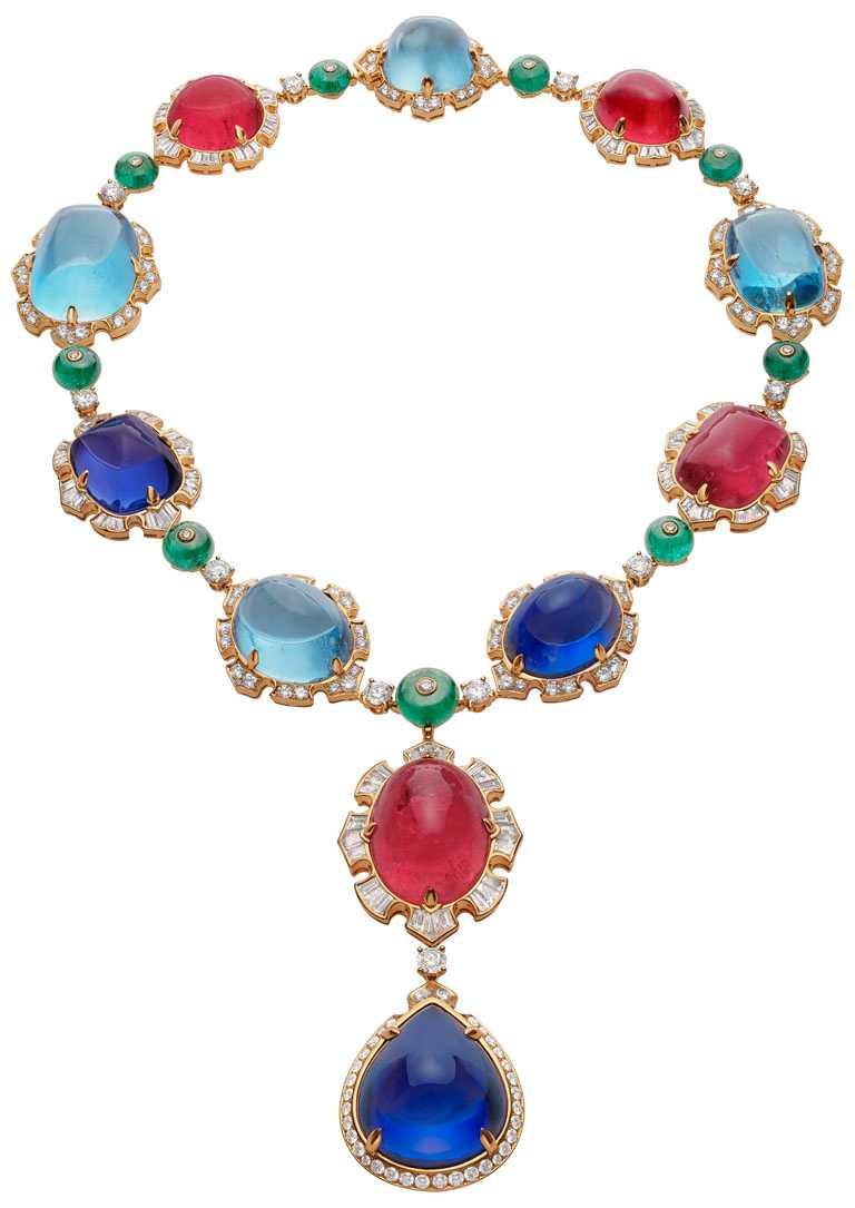 BVLGARI「BAROCKO系列」頂級珠寶,Cabochon Exhuberance頂級彩寶項鍊。(圖╱BVLGARI提供)