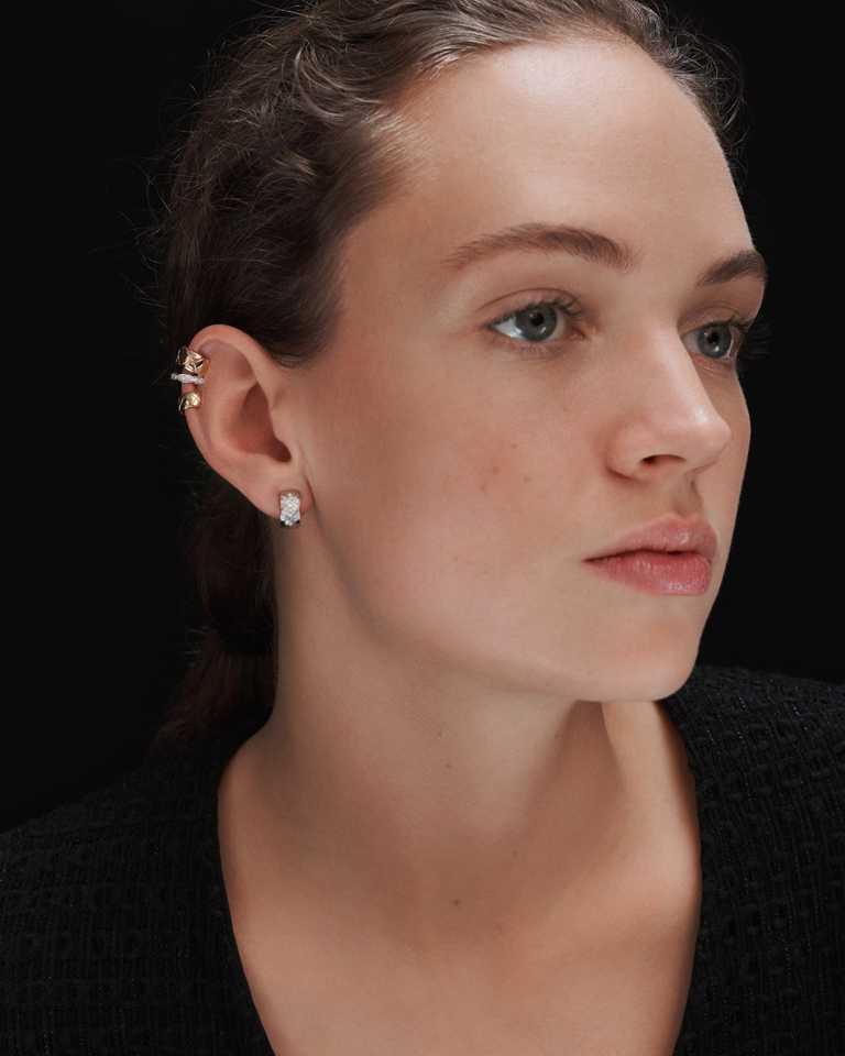 (上)CHANEL「Coco Crush」白金及黃金鑽石不對稱耳環╱199,000元;(下)CHANEL「Coco Crush」18K白金鑽石耳環╱174,000元。(圖╱CHANEL提供)