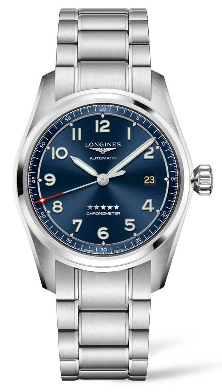 LONGINES「Spirit先行者」系列大三針含日期顯示腕錶,不鏽鋼錶殼、錶鍊,藍色太陽紋錶盤,L888.4型自動上鏈機芯,40mm╱69,200元。(圖╱LONGINES提供)