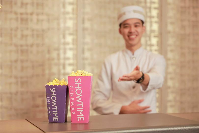 「無限暢影」專案的房客會有管家協助預約當日電影場次。