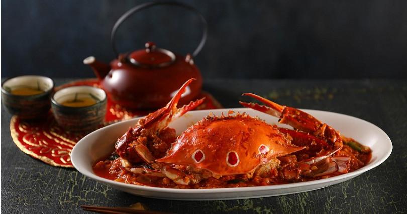 望月樓推出的紅油咖哩炒三點蟹。(圖/Mega 50、喜來登提供)
