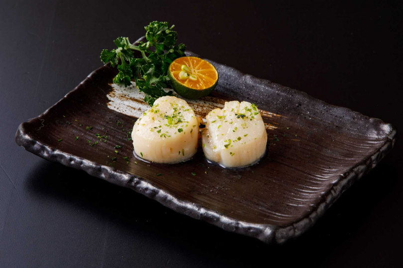 焱烤北海道干貝。(圖/北海道えびそば一幻 × 胡同居酒屋提供)