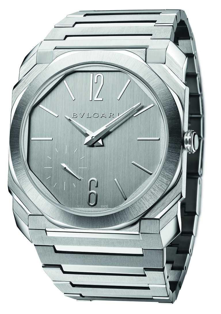 BVLGARI「Octo Finissimo S」精鋼鍍銀腕錶,40mm,超薄緞面拋光精鋼錶殼,BVL 318型Finissimo機芯╱378,200元。(圖╱BVLGARI提供)