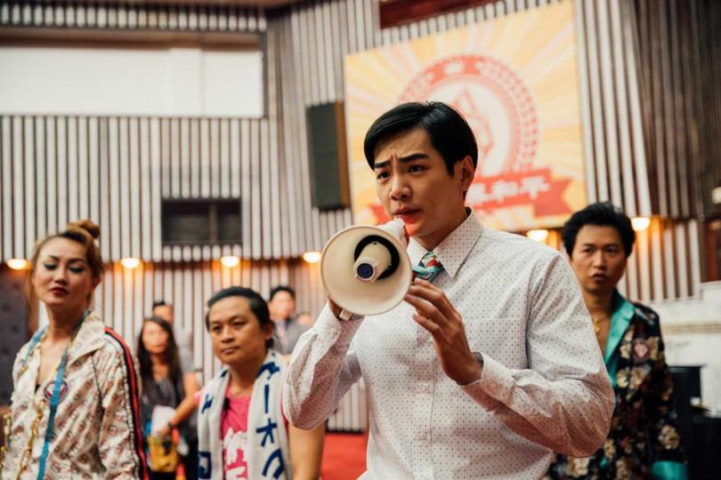 禾浩辰在片中飾演立法委員。(圖/華映娛樂提供)