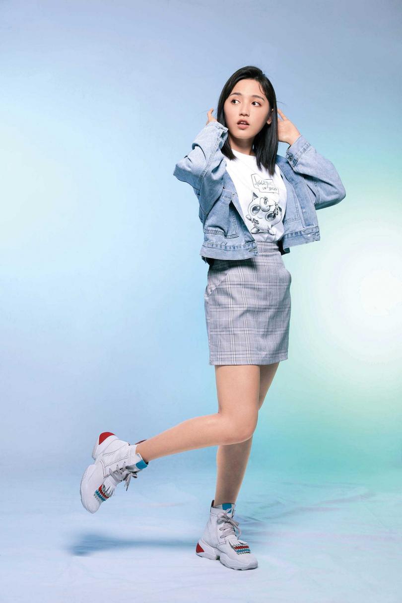 HOGAN流蘇麂皮高筒休閒鞋/29,500元(圖/戴世平攝)