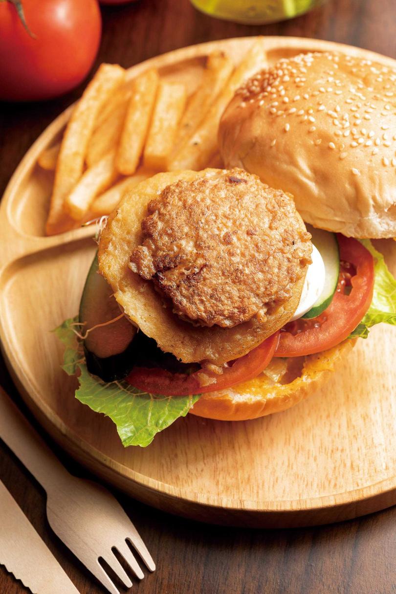 不只適合穆斯林品嘗,「手做慈悲無肉養生堡」也是素食者的好選擇。(150元)(圖/焦正德攝)