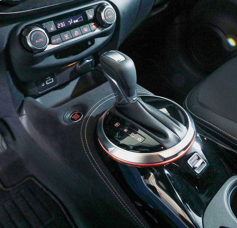 搭配7速雙離合器自手排變速箱,油耗表現達17.6km/l。(圖/王永泰攝)