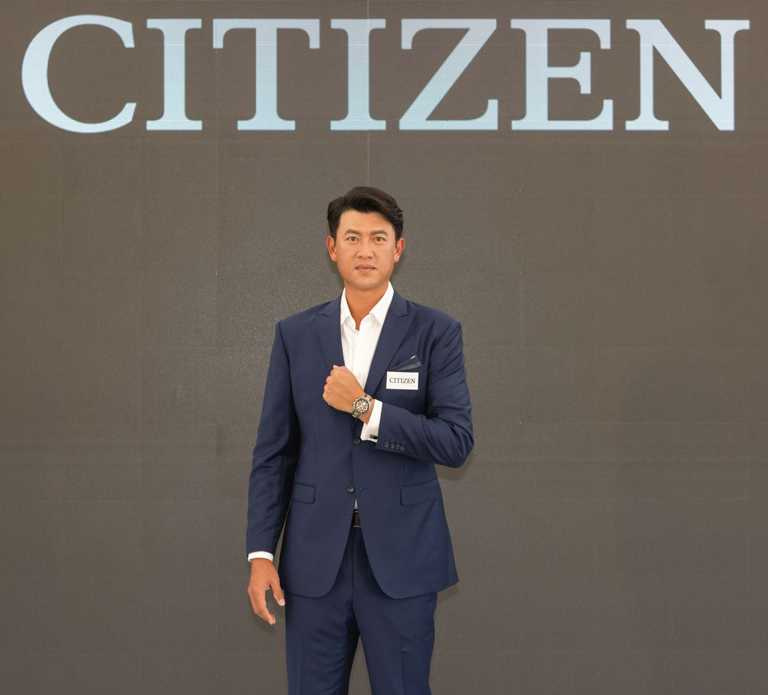 王建民佩戴CITIZEN「光動能GPS衛星對時腕錶」全球限量珍藏款,再度擔任CITIZEN台灣男錶代言人。(圖╱CITIZEN提供)
