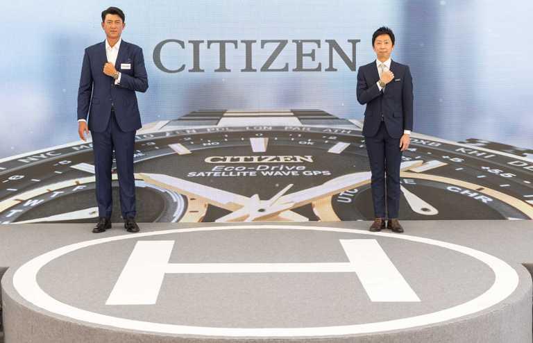 CITIZEN台灣分公司總經理渡邉将人攜手代言人王建民,共同發表全新「光動能GPS衛星對時」腕錶「HAKUTO-R」限定款。(圖╱CITIZEN提供)