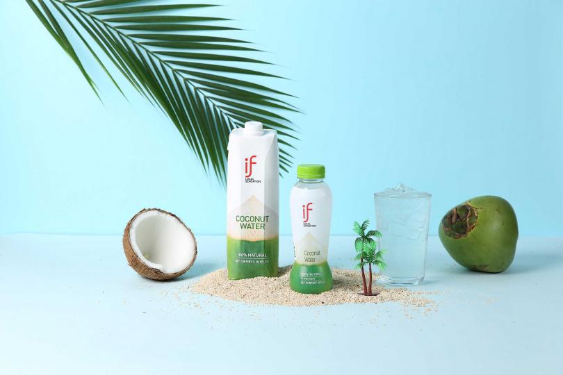 「IF 100%椰子水」是炎熱夏日及運動後的最佳解渴飲品。