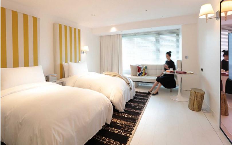 4月30日前飯店推優惠,適用晚餐75折,或國人住S Double或S Twin套房只要2,999元。(圖/S HOTEL)