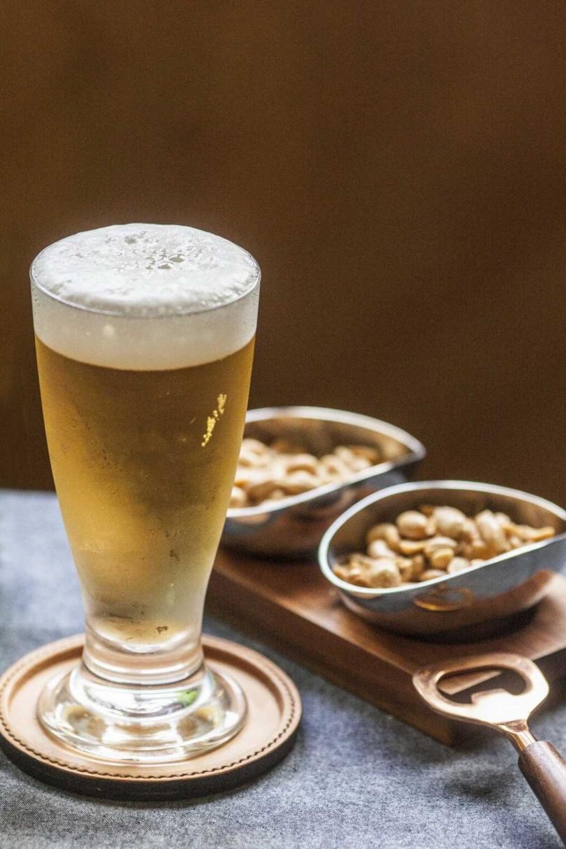 「盛夏啤酒節」遴選來自西班牙、比利時與奧地利的國際熱銷啤酒,打造沁涼消暑的夏天。(圖片提供/天成文旅—華山町)