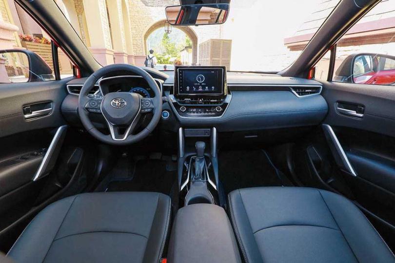 車艙及中控面板的設計概念,來自房車「Altis」。(圖/馬景平攝)