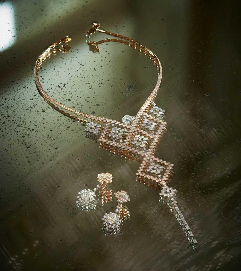 CHANEL「Escale à Venise」系列頂級珠寶,「Eblouissante」可拆卸式項鍊,共有6種佩戴方式,3顆主鑽採用正方形祖母綠切割(Asscher Cut),可完美貼合胸部線條╱166,308,000元。(圖╱CHANEL提供)