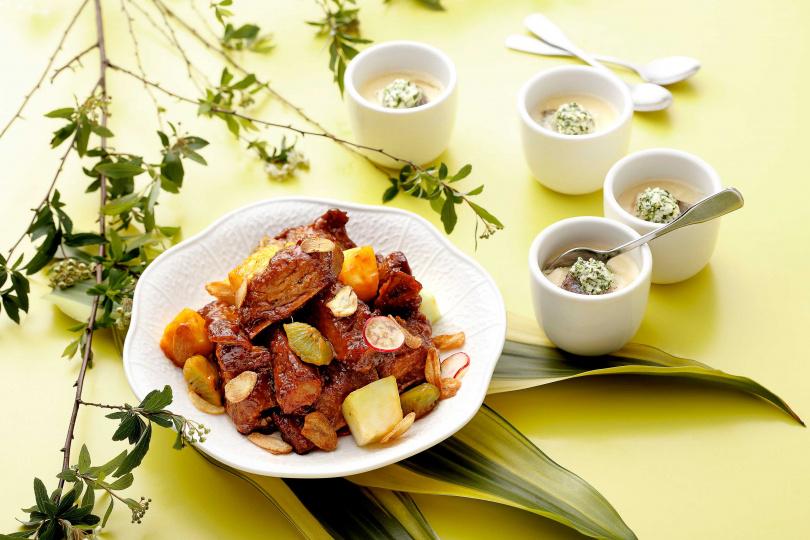 「香蒜排骨蜜汁風味」肉嫩香甜、「雪裡紅翡翠鮮魚蒸」清鮮爽口,都是人氣夯品!