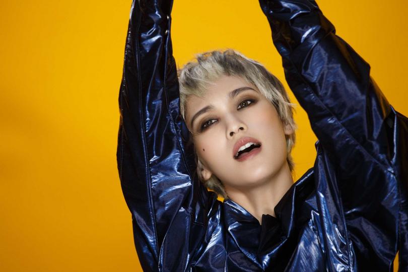 楊丞琳在MV中的造型很有個性,被粉絲稱讚像王菲。(圖/EMI提供)