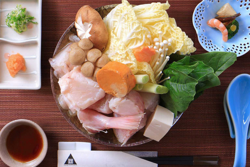 肉質結實彈嫩的鮟鱇魚料理,每道只要380元起。
