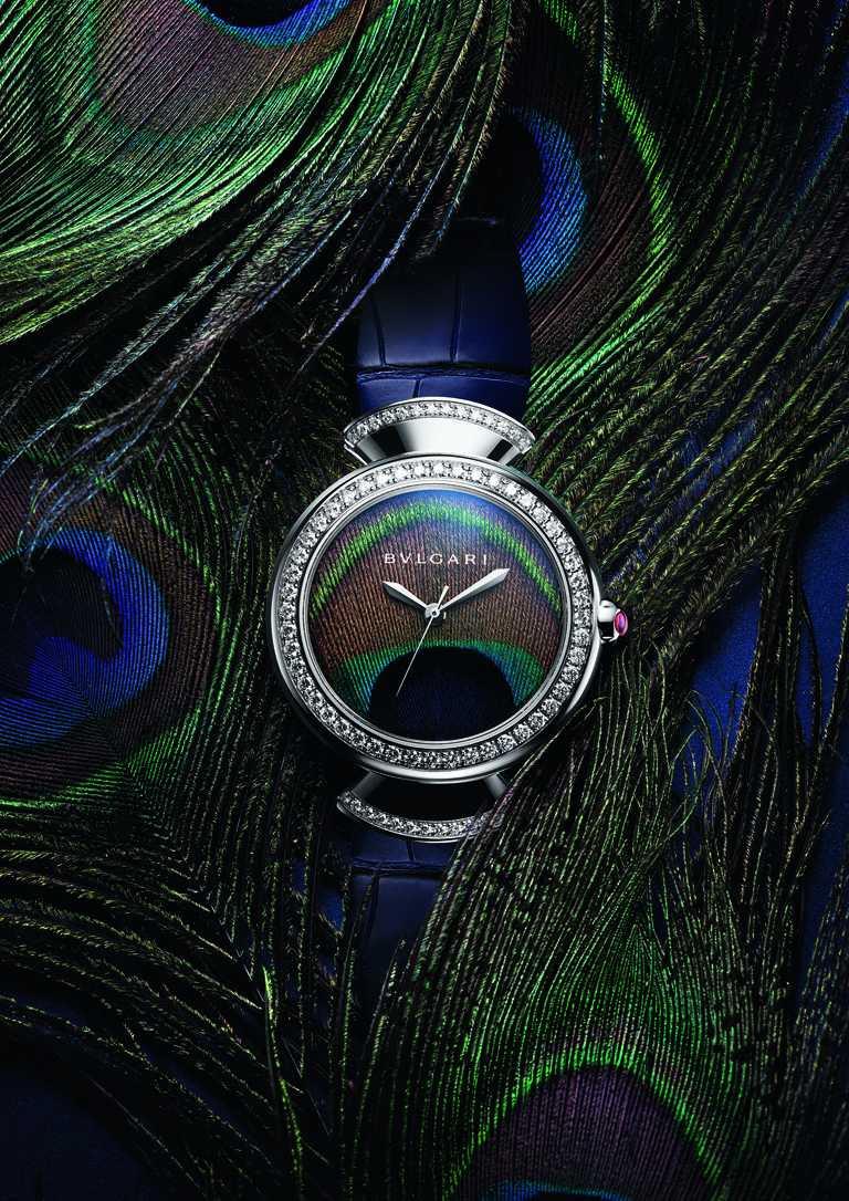 BVLGARI「Divas' Dream Peacock」白K金鑲鑽孔雀腕錶,37mm,鑽石76顆╱879,000元。(圖╱BVLGARI提供)