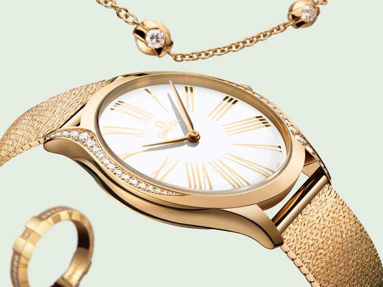 OMEGA「De Ville碟飛」系列Trésor女仕腕錶,36mm,精鋼、18K Sedna金錶殼,4061型石英機芯,鑽石39顆╱795,000元。(圖╱OMEGA提供)