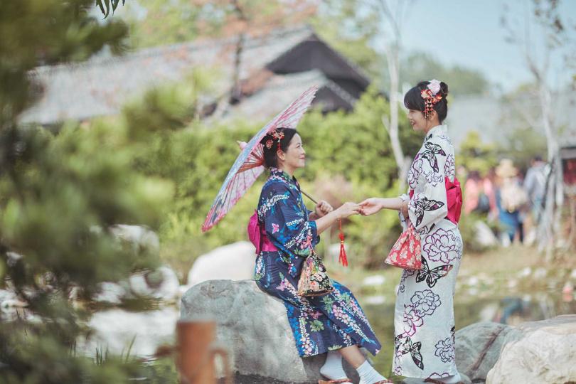「來嘉賞花」專案,讓客人穿和服體驗日式風情。(圖/攝影師Martin Chen提供)