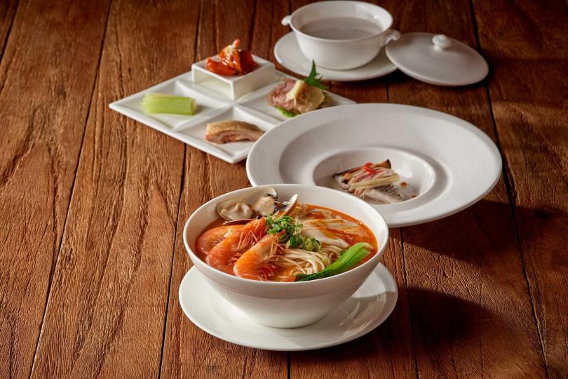 「商業午間套餐」每套售價550元,15分鐘內即可全部上桌。