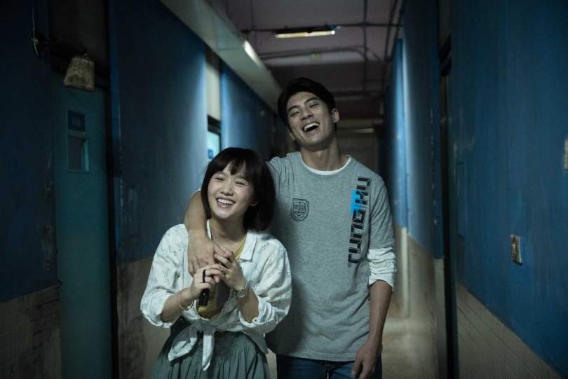林哲熹(右)為了與嚴正嵐演出熱戀中的男女朋友,特別努力培養感情。