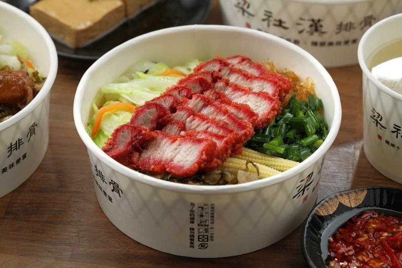 「炸紅糟肉飯」帶著胭脂色澤和獨特酒香,有濃濃古早味。(90元)(圖/于魯光攝)