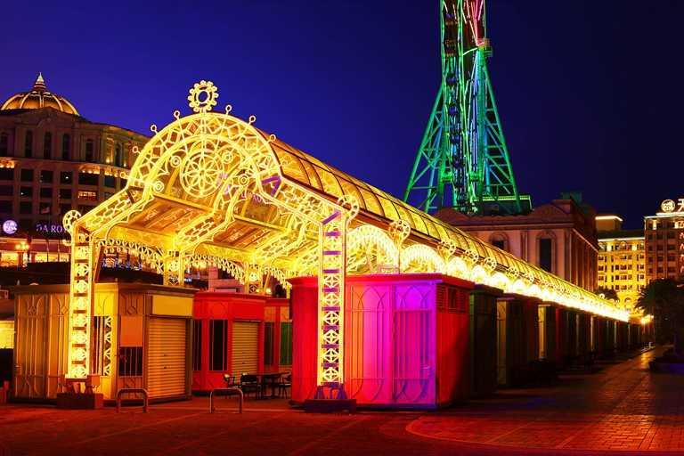 義大熱門打卡點「星悅光廊」。(圖片提供:義大世界購物廣場)
